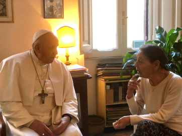 Papa Franjo posetio mađarsku spisateljku koja je preživela holokaust Edit Bruk - A cikkhez tartozó kép