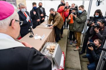 Megkezdődik a Székesfehérváron őrzött királyi maradványok vizsgálata - A cikkhez tartozó kép