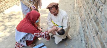 A poliojárvány ellen oltó nőkkel végeztek Afganisztánban - A cikkhez tartozó kép