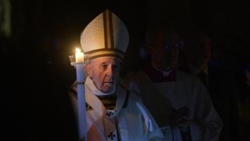 """Újraindulást szorgalmazott a járvány """"romjain"""" Ferenc pápa a nagyszombat esti virrasztáson - A cikkhez tartozó kép"""