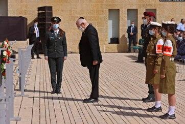 Két percre megállt az élet Izraelben a holokauszt-emléknapon - A cikkhez tartozó kép