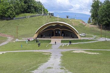 Csíksomlyói búcsú: A hegynyeregben tartják a pünkösdszombati nagymisét - A cikkhez tartozó kép