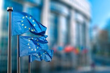 Az EU az uniós beutazási korlátozások enyhítését javasolja a WHO ajánlásával rendelkező vakcinával beoltottak esetében is - A cikkhez tartozó kép