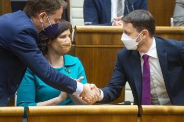 Bizalmat szavazott a szlovák parlament Eduard Heger kabinetjének - A cikkhez tartozó kép