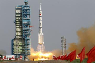Nem lehet tudni, hogy hol landol a visszatérő Hosszú Menetelés 5B kínai rakéta - A cikkhez tartozó kép