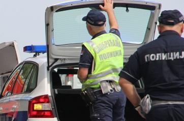 Törökbecse: Azzal gyanúsítják, hogy halálra gázolt egy kerékpárost, majd kiszállt a kocsiból és elsétált - A cikkhez tartozó kép