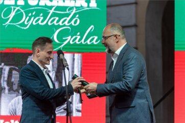 Kolozsváron átadták az Erdélyi Magyar Kortárs Kultúráért díjakat - A cikkhez tartozó kép