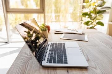 Tanmese íróasztalról - A cikkhez tartozó kép