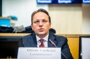 Várhelyi: Szerbia még idén megnyit két klasztert - A cikkhez tartozó kép