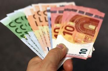 Vučić: A polgárok további 20 eurót kapnak decemberben - A cikkhez tartozó kép