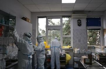 Koronavírus-helyzetkép: Aggasztóan nő a fertőzöttek száma Szerbiában - A cikkhez tartozó kép