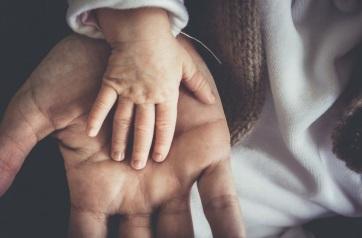 Mi ösztönzi a gyermekvállalást jobban, az ötezer eurós támogatás vagy a kiszámítható biztonság? - A cikkhez tartozó kép