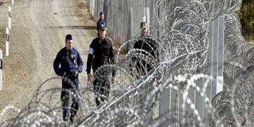 Négyszáz határsértő ellen intézkedtek a magyar rendőrök a hétvégén - A cikkhez tartozó kép