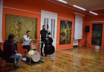 Topolya: Megnyílt Zsáki István retrospektív kiállítása - A cikkhez tartozó kép