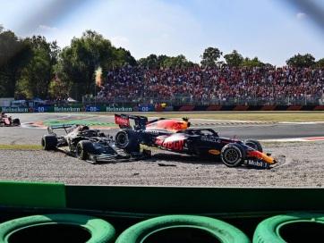 Olasz Nagydíj: Ricciardo nyert Monzában, Hamilton és Verstappen kiesett - A cikkhez tartozó kép