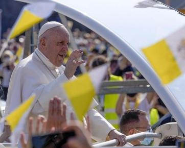 Ferenc pápa a kereszt jelentőségéről beszélt az Eperjesen bemutatott görög katolikus liturgián - A cikkhez tartozó kép
