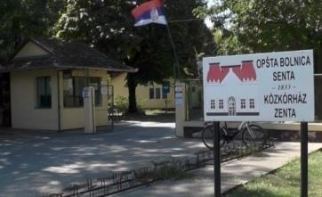 Tizenkét számítógépet adományozott a Zentai Közkórháznak a szerbiai egészségügyi minisztérium - A cikkhez tartozó kép
