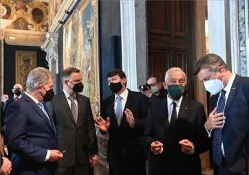 Arraiolos-csoport: Áder közös uniós fellépést sürgetett a migráció, a klímaválság és az államadósság kezelése ügyében - A cikkhez tartozó kép