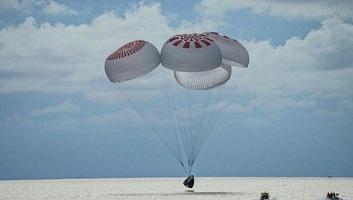 Sikeresen visszatértek a Földre a SpaceX űrturistái - illusztráció