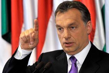 Orb�n Viktor: k�telezetts�gszeg�si �gyek ker�lhetnek az Eur�pai B�r�s�g el�