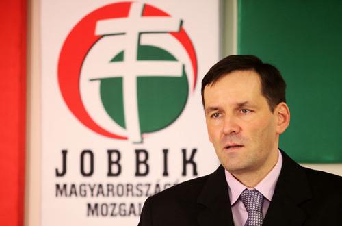 Jobbik: Tisztázni kell a délvidéki hiteleket