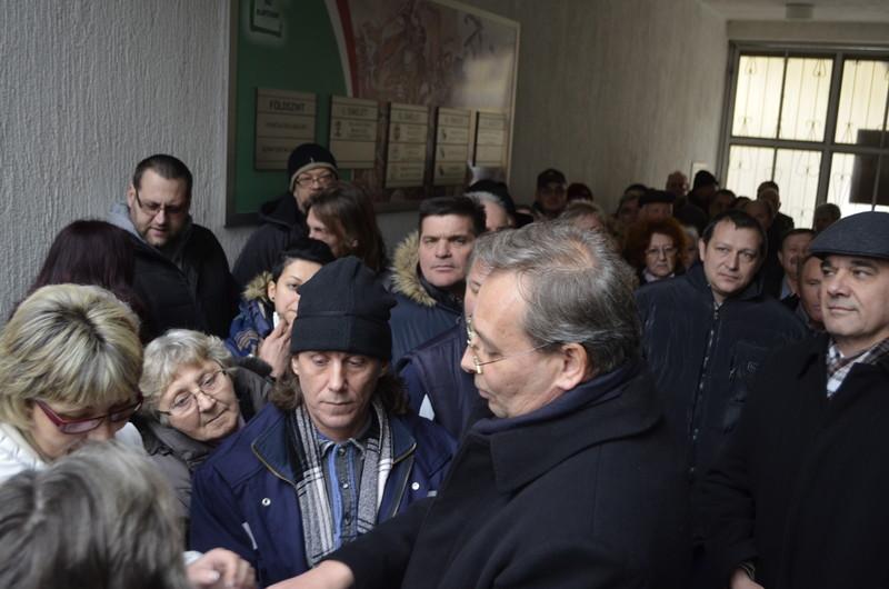 A Magyar Mozgalom tagjai közösen védekeznek a VMSZ vádjaival szemben