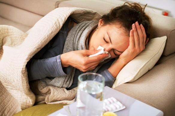 Megfázás: Mi az, amiről tévesen hisszük, hogy segíthet ilyenkor?