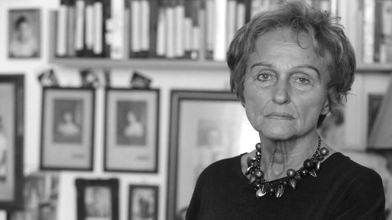 Meghalt Vathy Zsuzsa író
