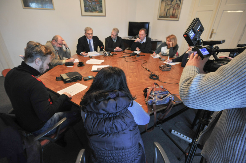 Tőkés: A romániai magyarság helyzetét nem pártpolitikai, hanem nemzetpolitikai alapon kell rendezni