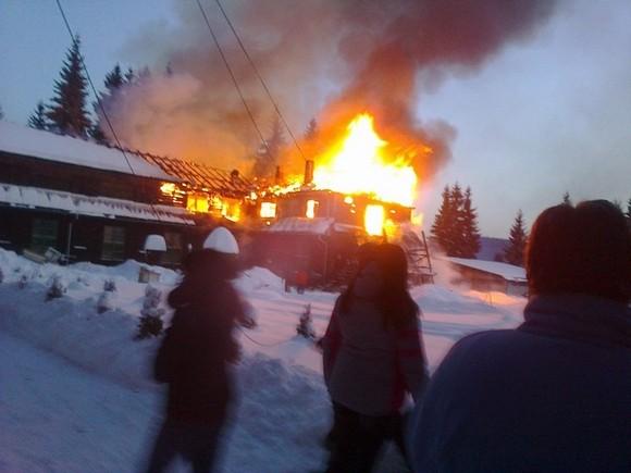 A nemzetpolitikai államtitkárság gyorssegélye a leégett kommandói iskolának