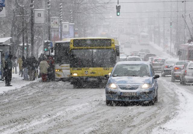 Szinte megbénult Belgrád közlekedése