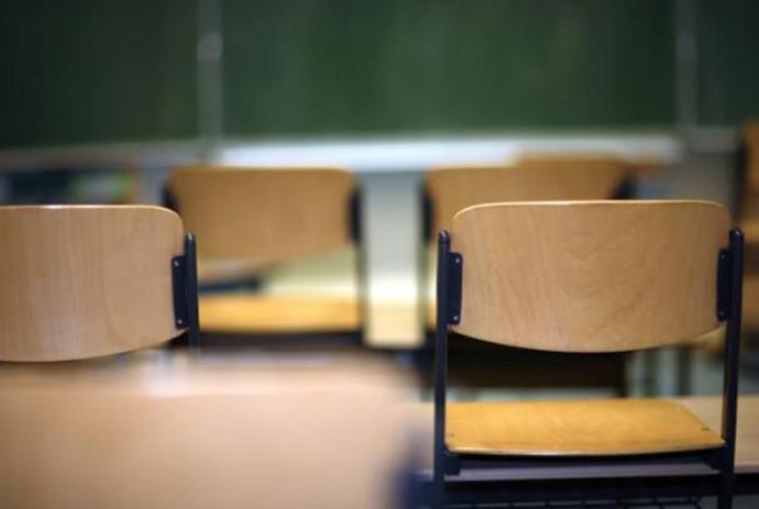 A tanügyi dolgozók ismét munkabeszüntetéssel fenyegetnek