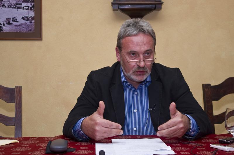 A kézdivásárhelyi bíróság jóváhagyta a bűnvádi eljárás újraindítását a Wass Albert utcanév ügyében