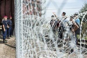 Fidesz: Az AI a migránsokat védi, nem az európai embereket