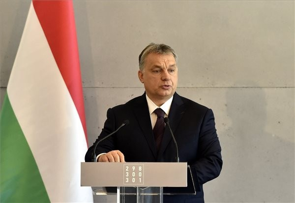 Orbán: A kommunizmus bűneit Nyugaton még ma is sokan mentegetik