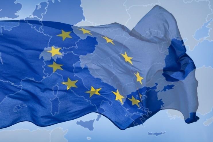 Európai üzenet a Balkánnak: Ne játsszanak tovább a tűzzel!