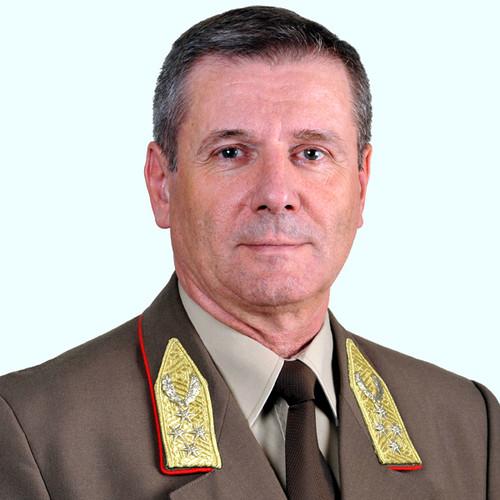 Magyar vezérkari főnök: Akár meg is duplázható a katonák  határ menti létszáma