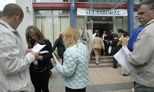 Magyarországon csökkent az álláskeresők száma