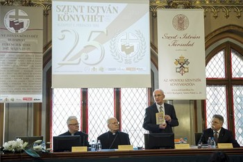 Megnyílt a Szent István Könyvhét Budapesten