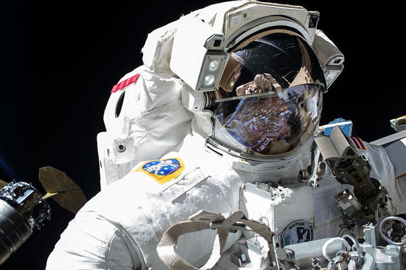 Nem tervezett űrsétára készülnek az űrállomáson