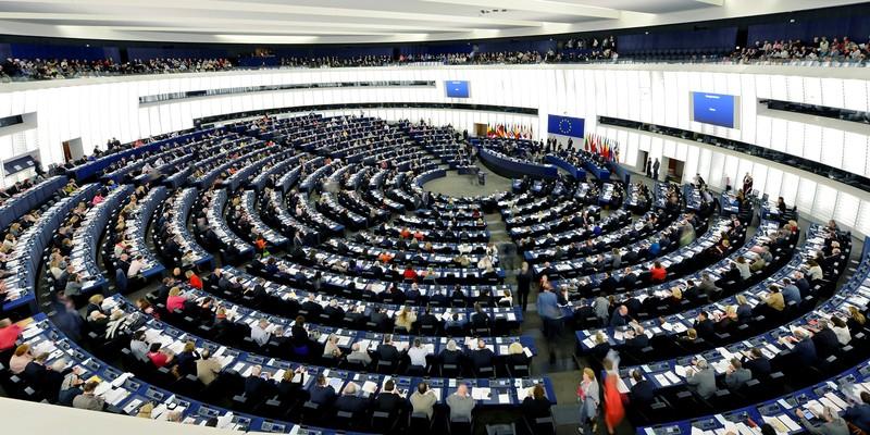 EP: Elfogadták a Szerbiáról szóló határozatot, újabb tárgyalási fejezetek nyílhatnak meg