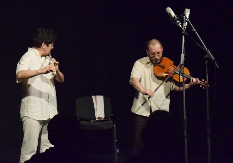 Ittzés Gergely és Mezei Szilárd a zentai Művelődési Ház színpadán