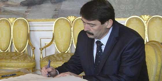 Áder János aláírta a civiltörvényt