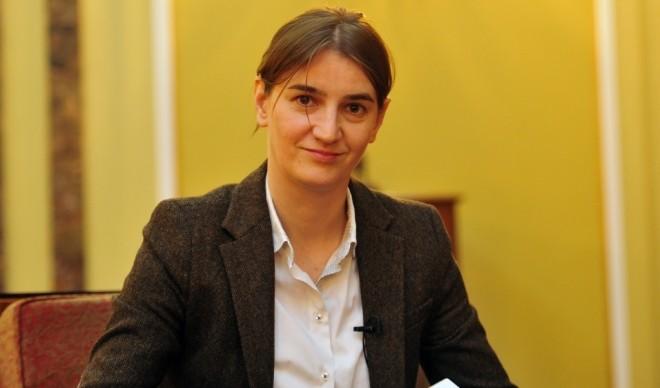 Vučić nehéz döntése: Őszinte szándék vagy csak színjáték?