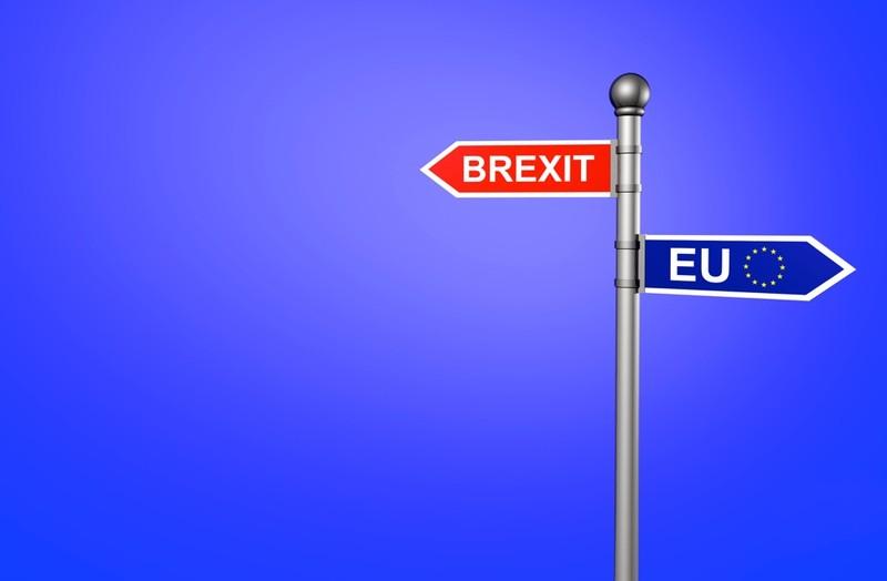 Brexit: Hétfőn megkezdődnek a kilépési tárgyalások