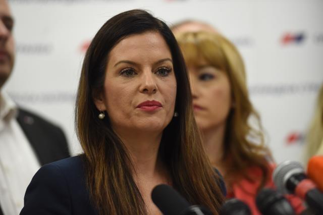 Az SNS egyhangúlag támogatta Ana Brnabić kormányfővé választását