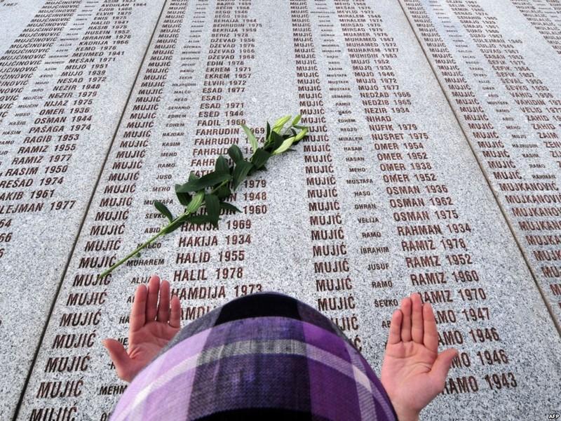 Srebrenica 22 éve