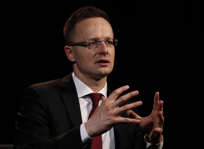 Szijjártó Péter: Martin Schulznak mindig mindenről Magyarország jut eszébe
