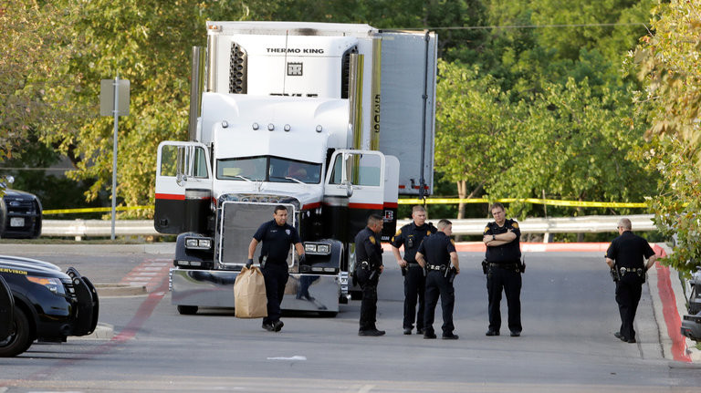 Egyesült Államok: Illegális mexikó bevándorlók fulladtak meg egy kamionban