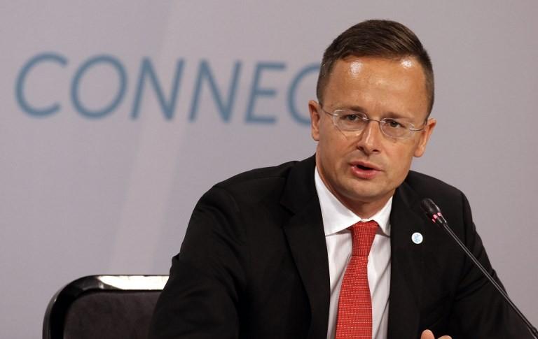 Ideje a legkeményebb eszközökhöz nyúlni a kárpátaljai magyarok érdekében
